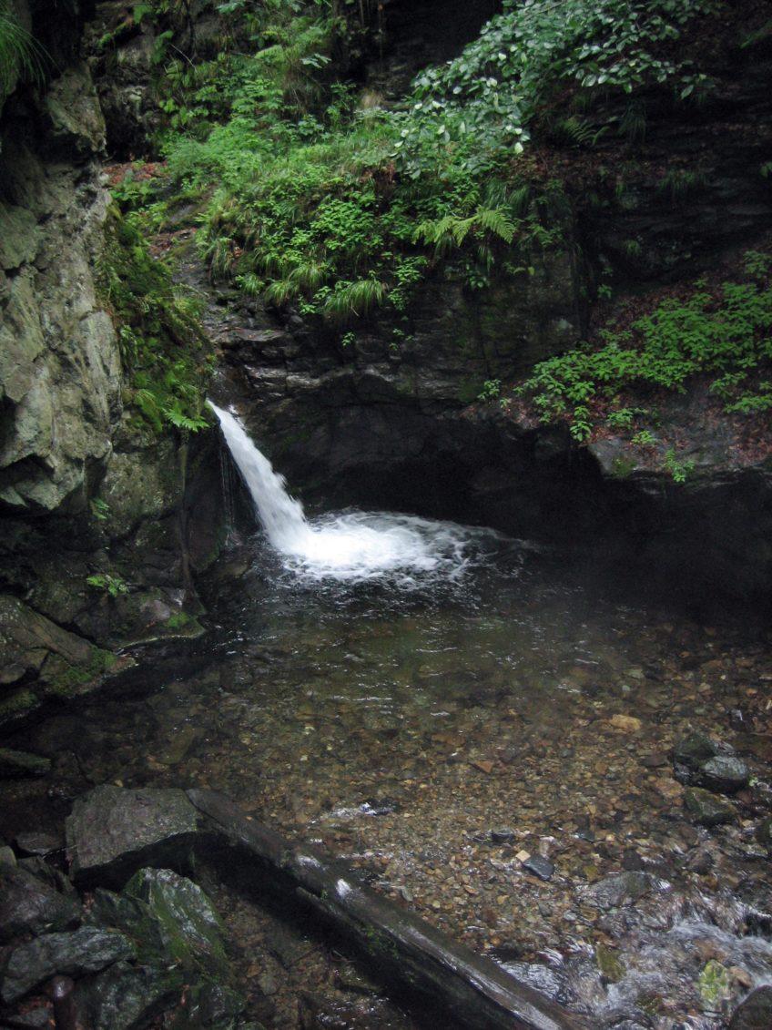 Nýznerovské vodopády s kočárkem (4 km)
